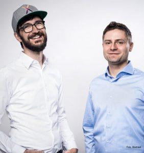 Die Startnext-Gründer Denis Bartelt (li.) und Tino Kressner.